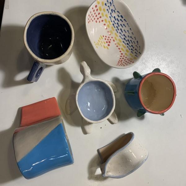 Különleges formájú kis tálak, ékszertartók, csészék